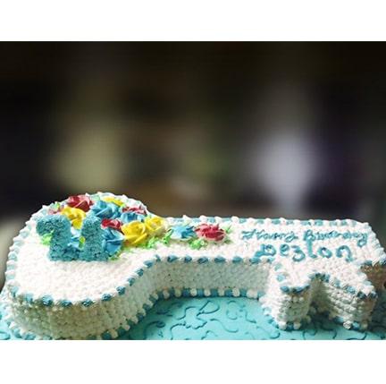 FC-25 floral key cake-min